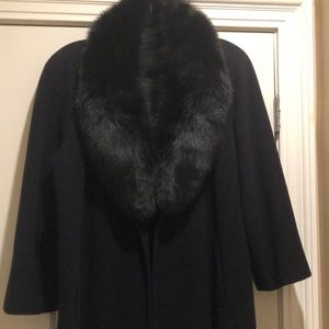 Long cashmere coat with black fox collar